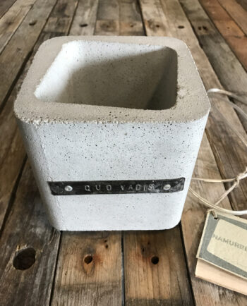 Lampka-betonowa
